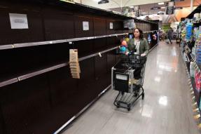 Instacart购物者正计划在全国范围内举行罢工,以要求更好的安全保护并在COVID-19中付款